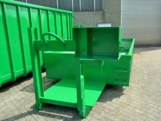 Spezieller offener Abroll-Container mit stirnseitiger Kranverlängerung, Inhalt ca. 9 m³