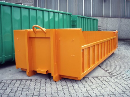Offener Abroll-Container zum abgesenkten Baggertransport, Inhalt ca. 10 m³, spezielle Muldenvertiefungen für Bagger-Kettenlaufwerke
