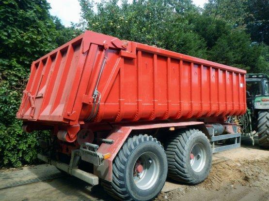 Offener Abroll-Container mit hydraulischer Heckklappe, Inhalt ca. 15 m³