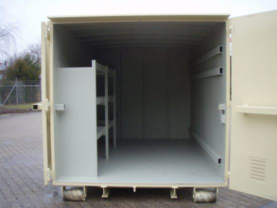 Magazin-Abrollcontainer mit Innenausbau, Trennwand, Seitentür und Fenster, Inhalt ca. 33 m³