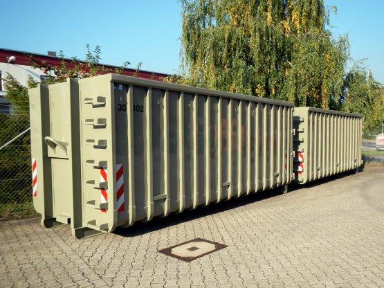 Offene Großcontainer mit Doppelflügeltür