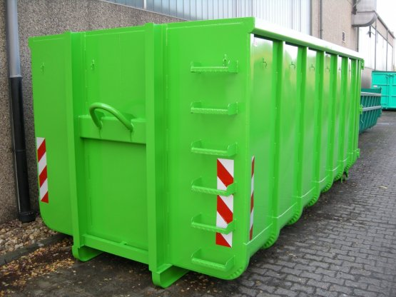 Offener Abrollcontainer mit Doppelflügeltür
